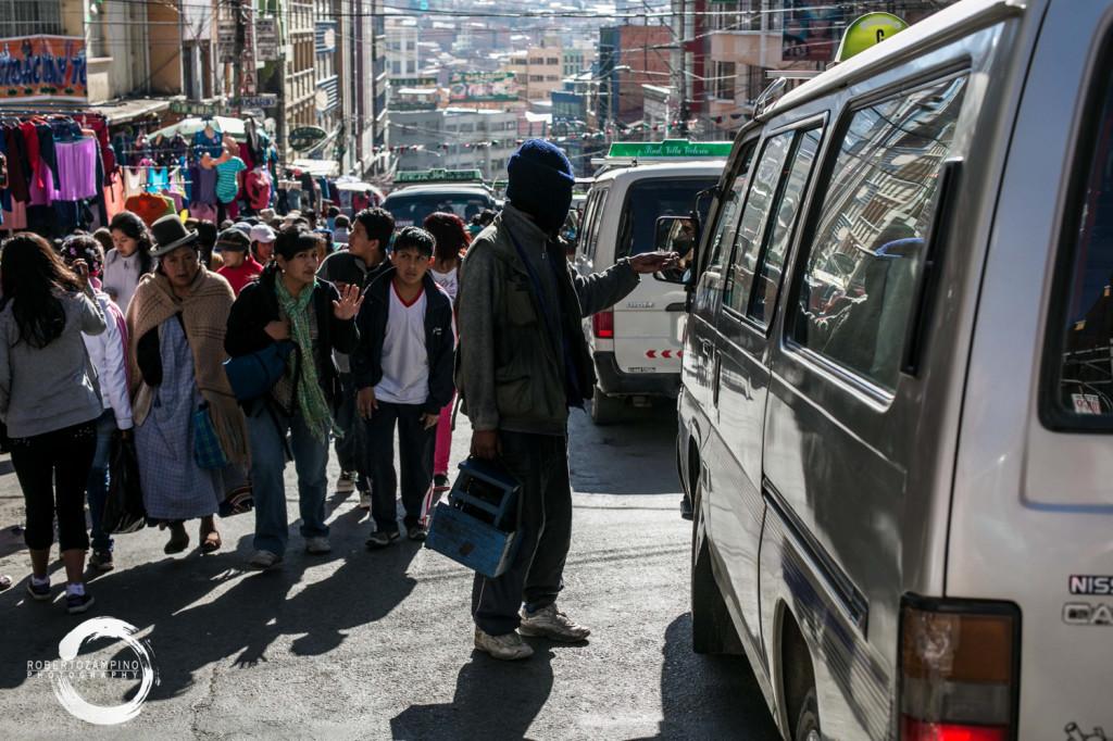 lustrabotes - shoe shiners - la paz - bolivia