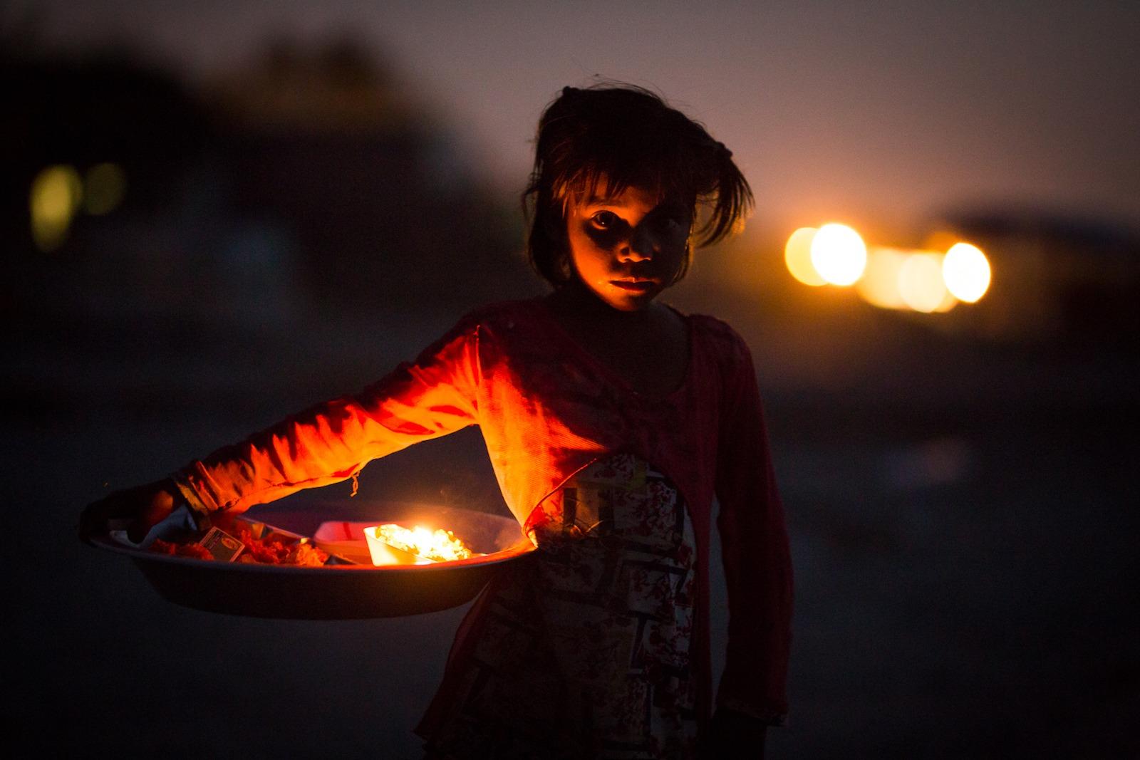 rajastan vrindavan girl selling flowers