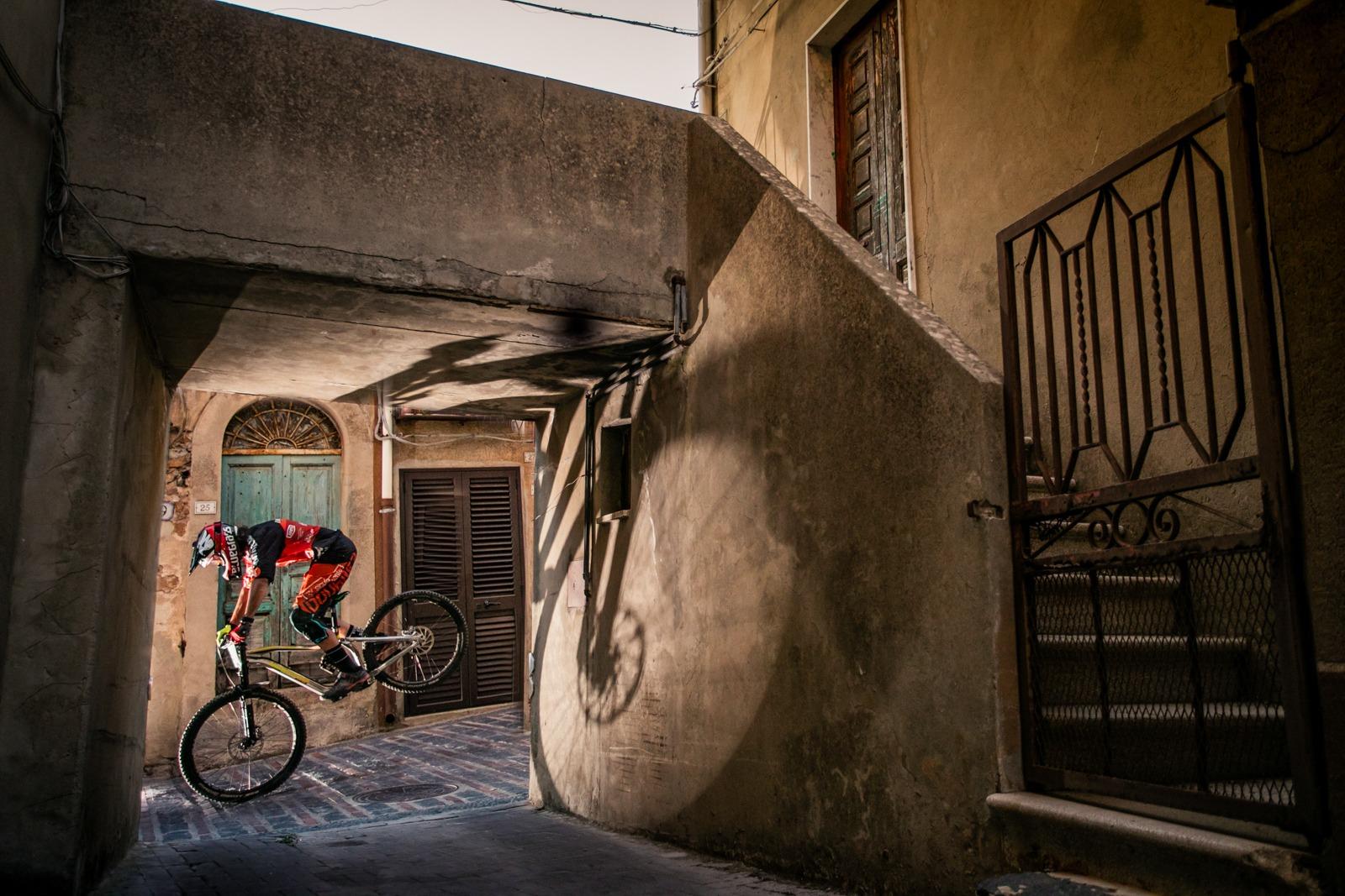 lombardo biciclette outdoor Extreme fotografo photographer - commercial - fotografia pubblicitaria sport eventi